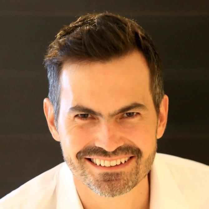 Dr. Luiz Evaristo Ricci Volpato