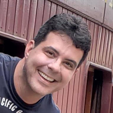 Dr. Eduardo Almeida